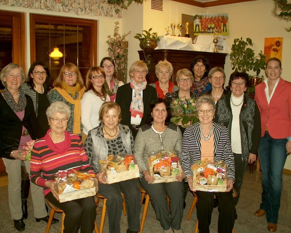 Cdu Gemeindeverband Buhlertal Hauptversammlung Mit Fuhrungswechsel Und Ehrungen Der Frauen Union Stadtverband Buhl Und Umland